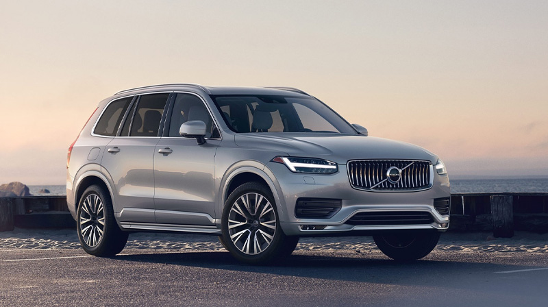 2020 VOLVO XC90 Parked by the beach at sunset